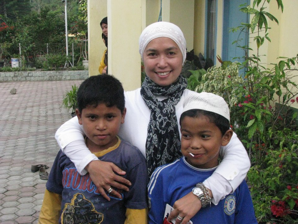 Dian with Aceh children